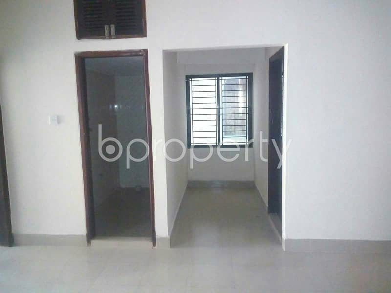 A fine commercial space of 1550 SQ FT for rent is available in New Market, near Bata Signal Bus Stoppage.