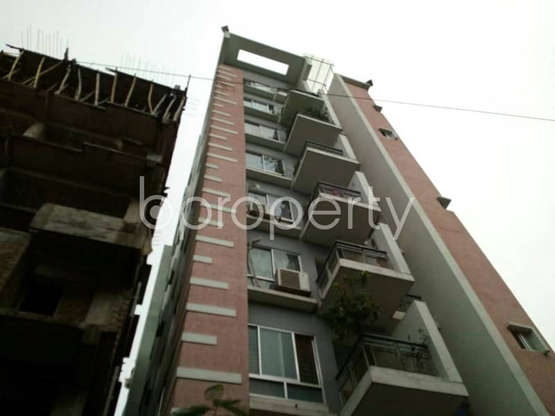Start living in this gorgeous flat of 910 SQ FT located at Narayanganj unoccupied for sale that is close to Labaid Hospital