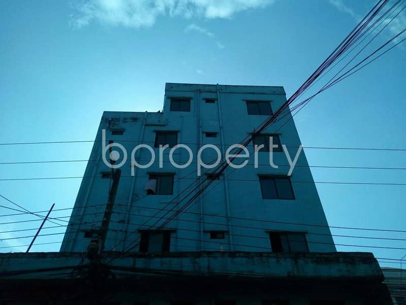 A perfect flat of 760 SQ FT for living with family is available for rent at Halishahar near Degree College