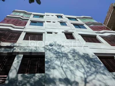 A flat for residential purpose in the hub of Thakur Para with 850 SQ FT close to Bahar Market is up for rent.