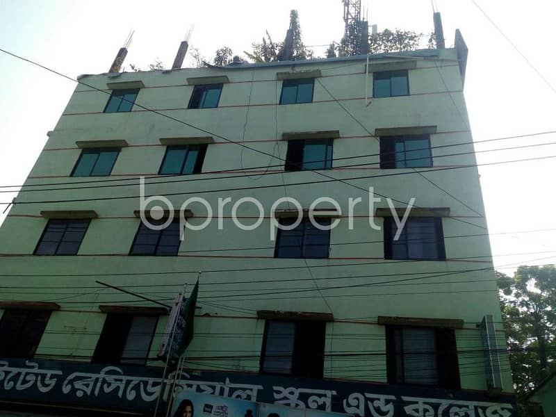 Find 850 SQ FT flat available for rent in Pahartali near to Akbar Shah Police Station