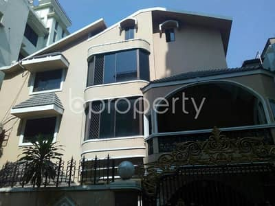 Comfortable, convenient and well constructed 1347 SQ FT flat for sale in South Khulsi, near Chatogram Government Girls' High School