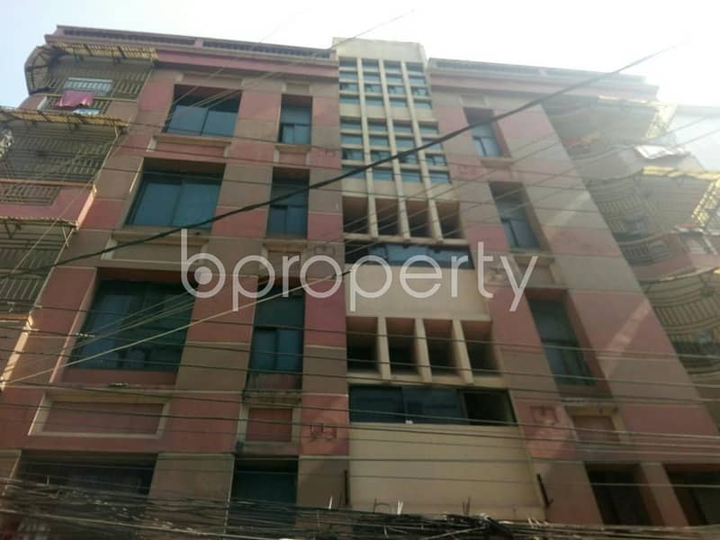 You can move into this well planned and comfortable Residential duplex in Nikunja for rent which is 2200 SQ FT, near Shefa Pharmacy
