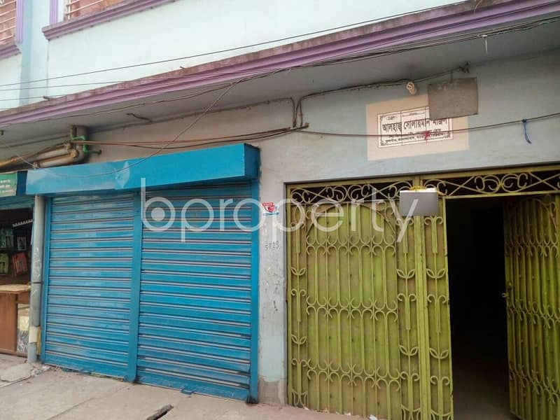 In Bayazid Near Bayazid Bostami Mazar, A 120 Sq. Ft. Shop Is Vacant For Rent.
