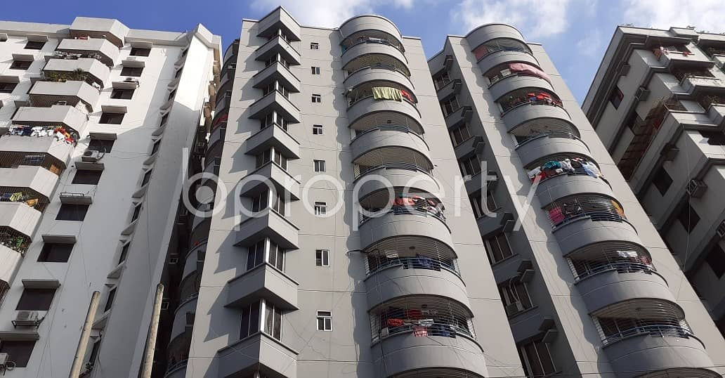 Grab This Flat Up For Rent In Green Road Near Green Life Medical College And Hospital