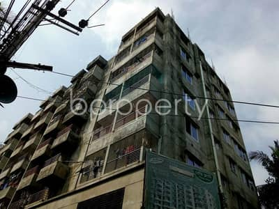 With a very low budget, a 1450 SQ FT residential flat is for sale at Lal Khan Bazaar nearby Govt Women College