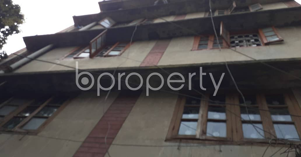 At Bibir Bagicha 1000 Square feet flat is available for sale