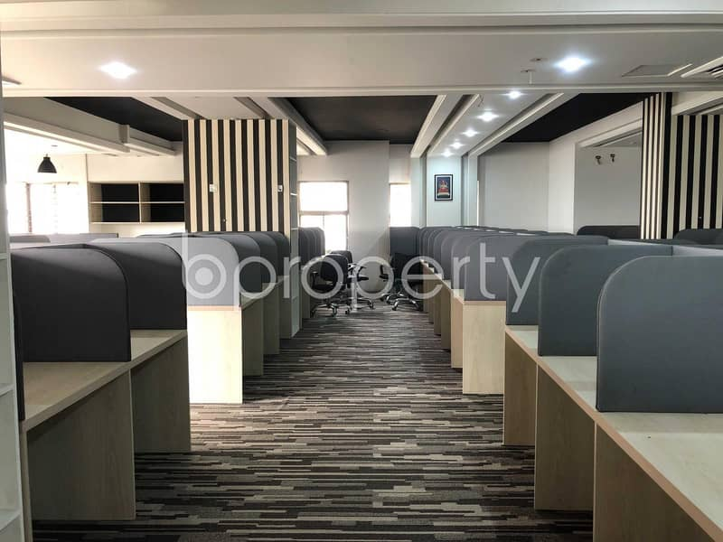 Modern Commercial Office for rent in Gulshan 2 near Pink City