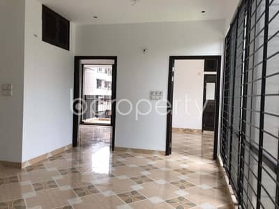 An Amazing Apartment Is Up For Sale In Bashundhara R-A, Near Viquarunnisa Noon School And College