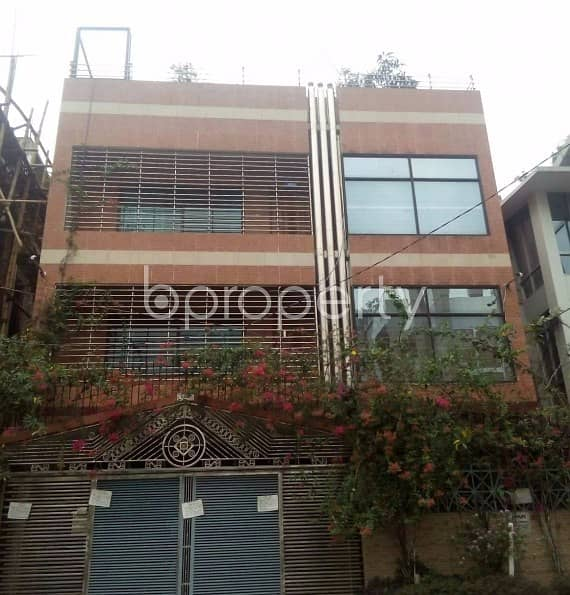 Wonderfully decorated 3000 SQ FT Duplex property is here for rent at Nikunja 1 close to Rajuk Trade Center
