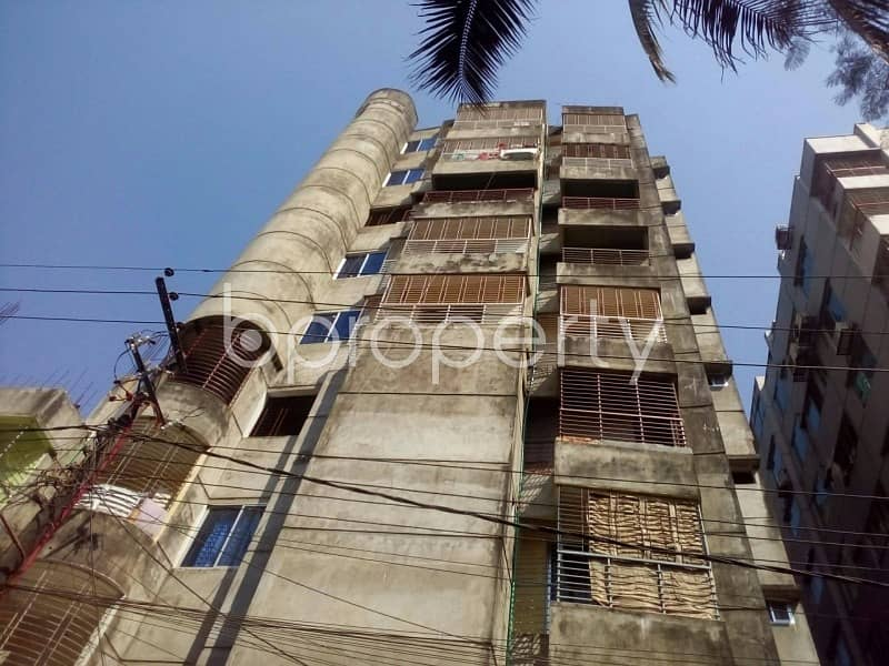 Check this 1020 SQ FT residential flat is ready to be sold at Lal Khan Bazaar area nearby Sunmar Shopping Mall.
