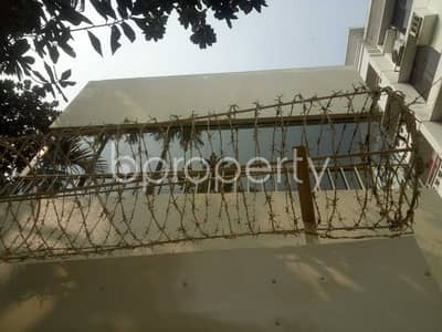 See This Duplex Apartment Is Up For Rent At Baridhara Near French International School .