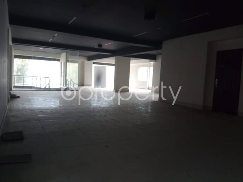 A Business Space Is Up For Sale In The Location Of Ashkona Near Bangamata Sheikh Fozilatunnessa High School.