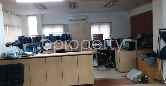Building for Rent in Gulshan, Dhaka - At Gulshan, 20000 Sq Ft Well Fitted Commercial Full Building Is Ready To Rent Near To City Bank
