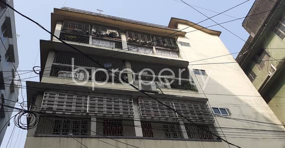 3 Bedroom Apartment for Rent in New Market, Dhaka - 1600 Square Feet Flat For Rent Nearby Elephant Road Aeroplane Masjid.