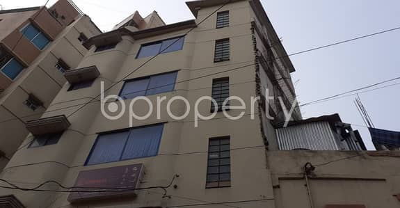 Office for Rent in Lalmatia, Dhaka - A 950 Sq Ft Commercial Space Is Available For Rent Which Is Located In Lalmatia