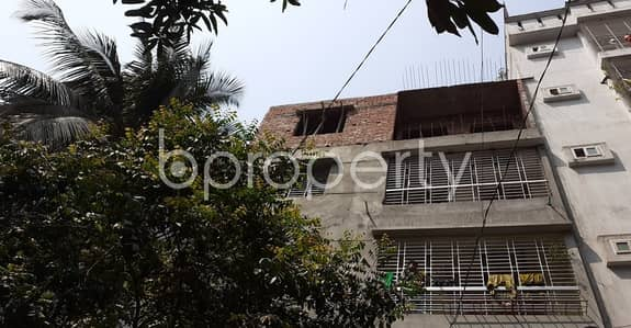 3 Bedroom Flat for Rent in Lalmatia, Dhaka - An Attractive Apartment Is Up For Rent Covering An Area Of 900 Sq Ft At Lalmatia.
