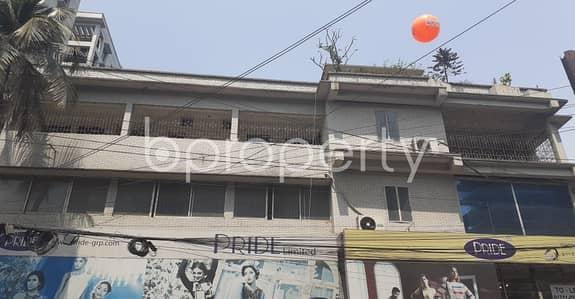 Office for Rent in Dhanmondi, Dhaka - Deal With Your Business in 2690 Sq Ft Office with a Convenient To Rent in Dhanmondi Area Near To Ideal College