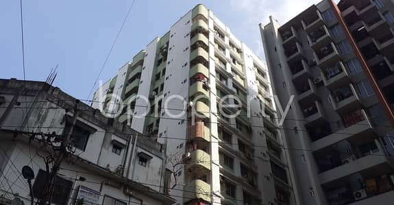 3 Bedroom Apartment for Rent in Hatirpool, Dhaka - Lovely Apartment Covering An Area Of 1800 Sq Ft Is Up For Rent At New Elephant Road Near Al-arafah Islami Bank Limited