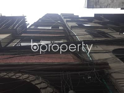 3 Bedroom Apartment for Rent in Bangshal, Dhaka - A Nicely Build 750 Sq Feet Three Bed Apartment Is Available For Rent In Bangshal