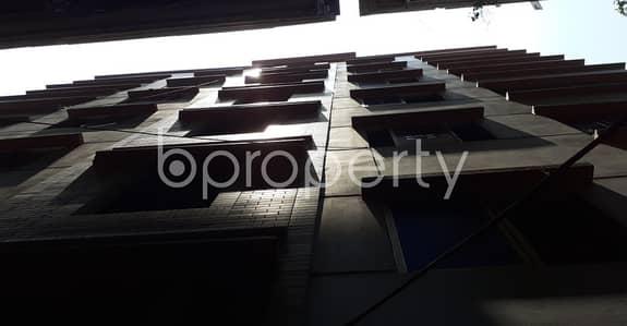 ভাড়ার জন্য BAYUT_ONLYএর অ্যাপার্টমেন্ট - বংশাল, ঢাকা - A Well-featured 900 Sq Ft Residence Is Ready For Rent At Dhaka, Right Close To Nazimuddin Road Boro Jame Masjid