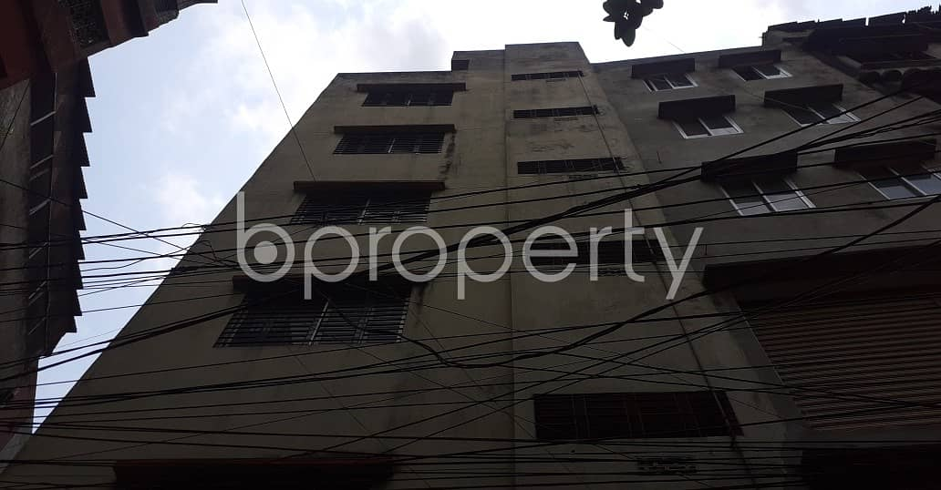 At Bangshal, 4200 Sq Ft Well Fitted Full Building For Commercial Space Is Ready For Sale