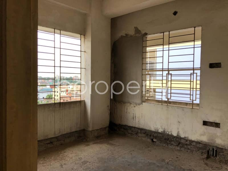 A Brand New Apartment Up For Sale Is Located At Bayazid, Near To Probashi Kallyan Bank