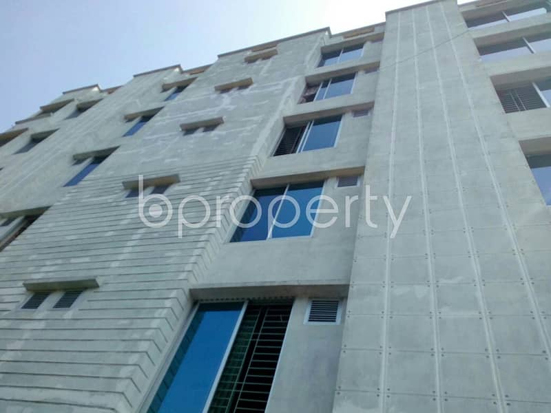 Nice 3240 SQ FT flat is available for sale in Bayazid