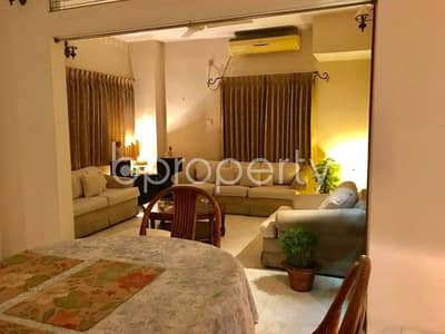 A Finely Built 2000 Sq Ft Flat Is Up For Sale In Banani Dohs, Nearby Banani Dohs Jame Mosjid.