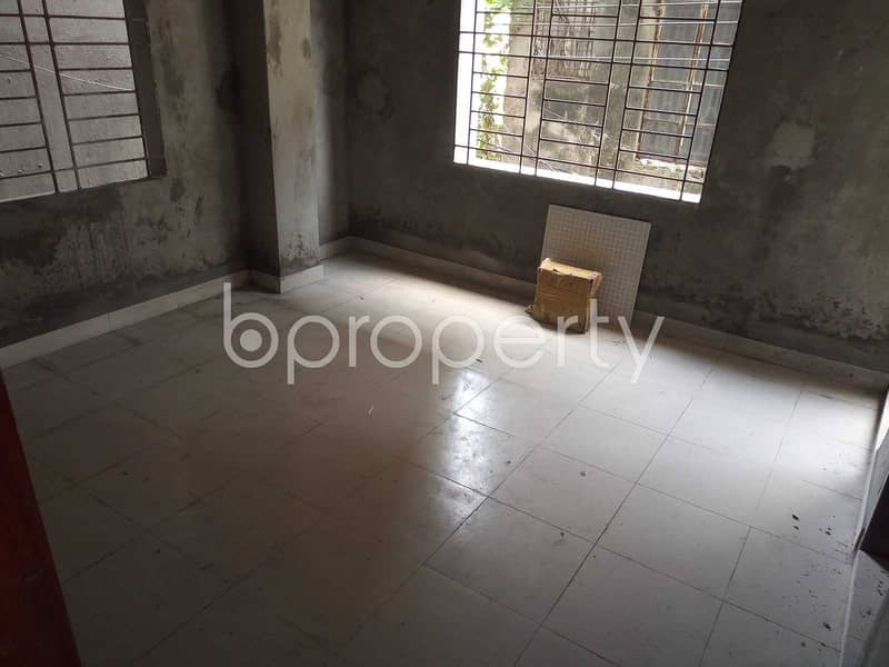 Reasonable 721 SQ FT flat is available for sale in Lalbagh