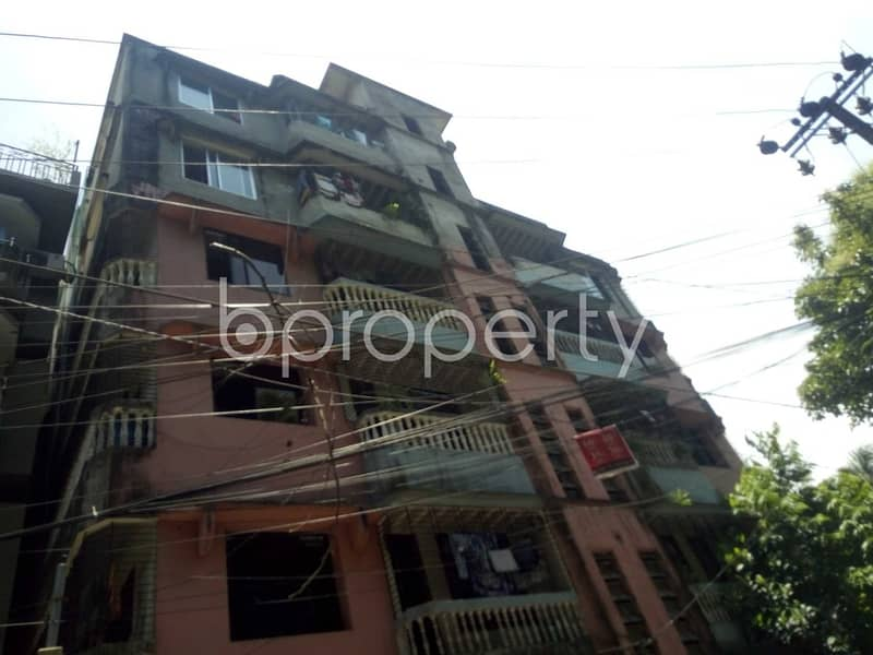 Plan to move in this 1350 SQ FT flat which is up to Rent in Chawk Bazaar