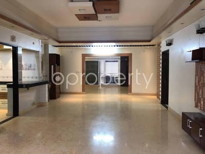 Convenient Residential Apartment for rent in Bashundhara R-A near North South University