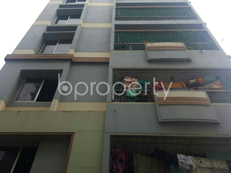 Nice 900 SQ FT flat is available to Rent in Bayazid