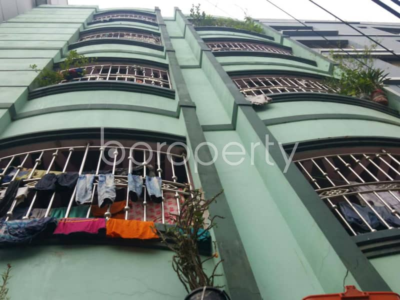 Nice 1050 SQ FT flat is available to Rent in Bayazid