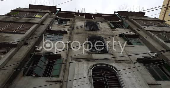 2 Bedroom Apartment for Rent in Jatra Bari, Dhaka - Obtain Your New Residence At This 700 Sq. Ft. Flat Up For Rent At Madarsha School Road, North Donia
