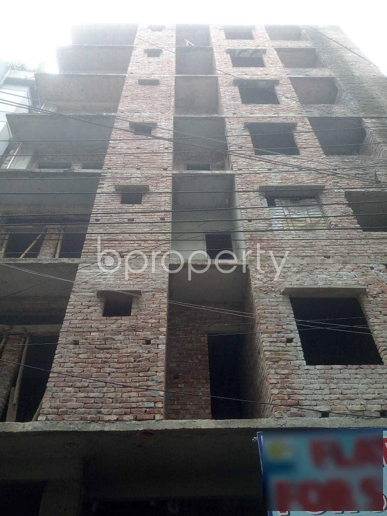 Offering you 850 SQ FT flat for sale in Badda