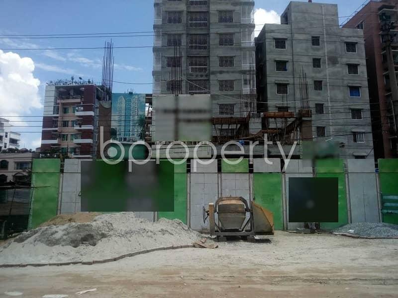 Reasonable 2377 SQ FT flat is for sale in Aftab Nagar, Block C