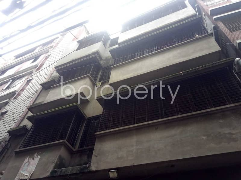 Well Defined Flat Of 922 Sq Ft In Chawk Bazar Is Available For Sale