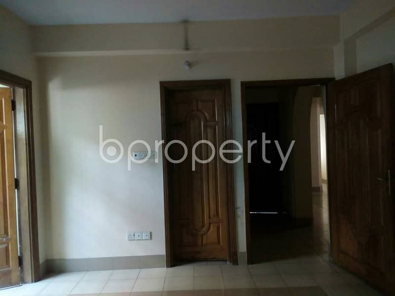 1500 SQ FT flat is now Vacant to rent in South Khulshi