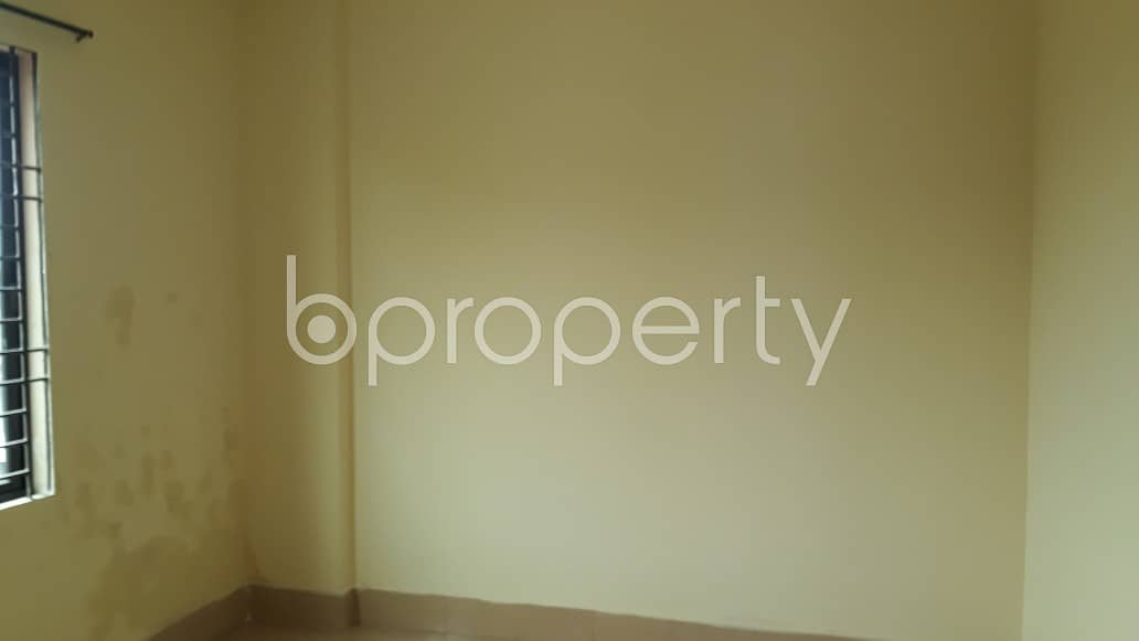 Offering you well constructed 1000 SQ FT apartment to Rent in Halishahar
