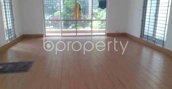 6 Bedroom Duplex for Rent in Uttara, Dhaka - 7500 Square Feet Ready Duplex Apartment For Rent In Uttara, Sector 6