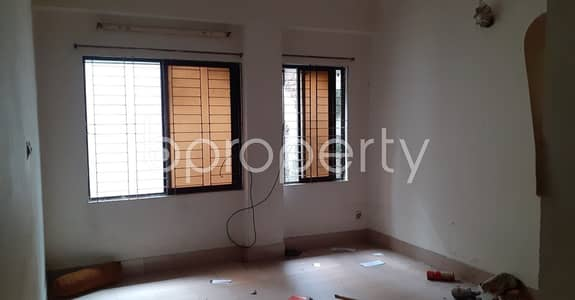 2 Bedroom Apartment for Rent in New Market, Dhaka - Visit This Nice 950 Sq. Ft. Flat For Rent At New Market Nearby Katabon Dhal Jame Masjid