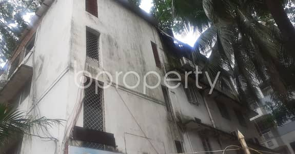 Office for Rent in Dhanmondi, Dhaka - This Lucrative 1400 Sq. Ft Office Space Up For Rent In Dhanmondi Near To Junior Laboratory High School