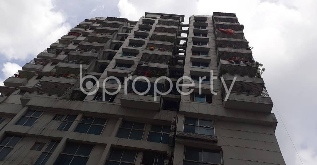 Offering you a 1750 SQ FT flat for sale in Motijheel