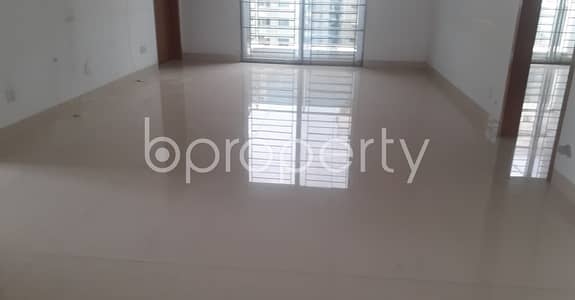 3 Bedroom Flat for Rent in Bashundhara R-A, Dhaka - Comfortable And Nicely Planned 1950 Sq Ft Flat In Bashundhara For Rent