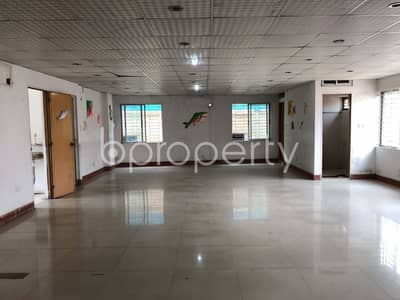 Office for Sale in Kalabagan, Dhaka - A Business Space Is Up For Sale In The Location Of Dhanmondi Near Health And Hope Hospital