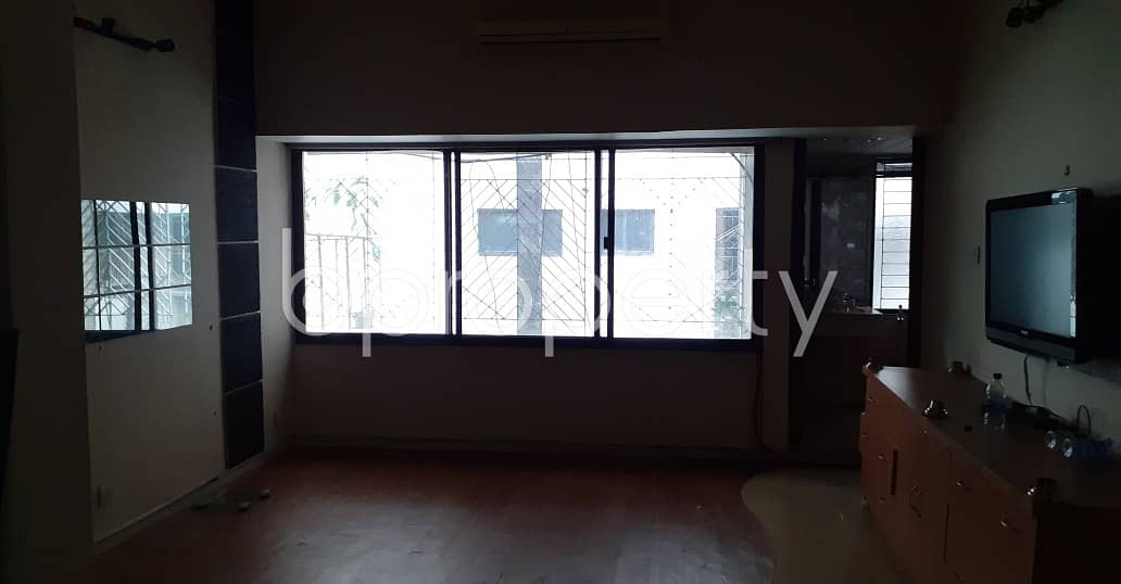 Visit This Residential Building For Rent In Gulshan 2 Near Banani Bidyaniketan School & College