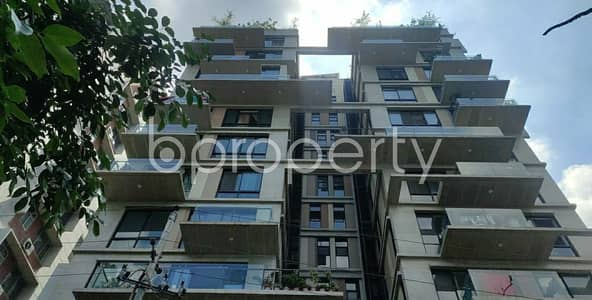 4 Bedroom Apartment for Sale in Dhanmondi, Dhaka - Comfortable, Convenient And Well-constructed 2200 Sq. Ft Flat Is Ready For Sale At Dhanmondi Very Close To Junior Laboratory High School