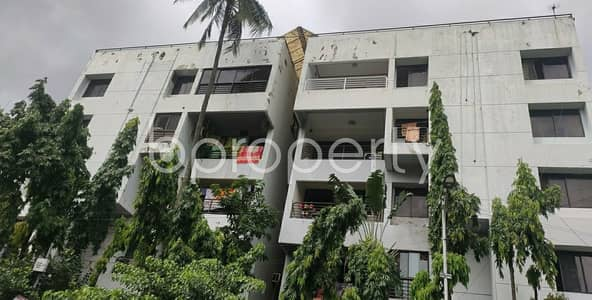 4 Bedroom Flat for Sale in Dhanmondi, Dhaka - A Residential Apartment Of 2525 Sq Ft Is Ready To Be Sold Close To Lab Aid Hospital At Dhanmondi