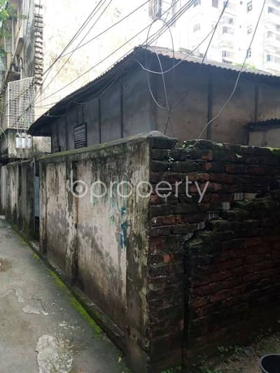 Plot for Sale in Dhanmondi, Dhaka - A Residential Plot With Tin Shed Property Which Is Up For Sale At Dhanmondi Near To LABAID Cardiac Hospital